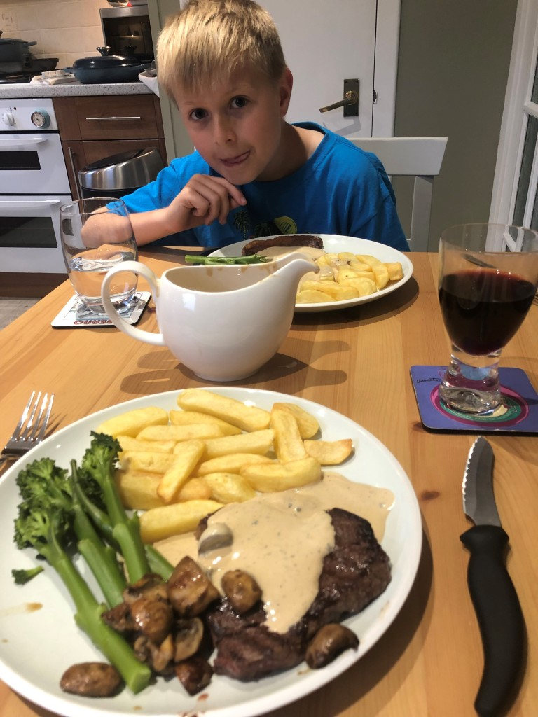 Steak, chips and delicious creamy pepper sauce.
